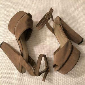 🆕 70s Style Suede-Like Platform Sandals